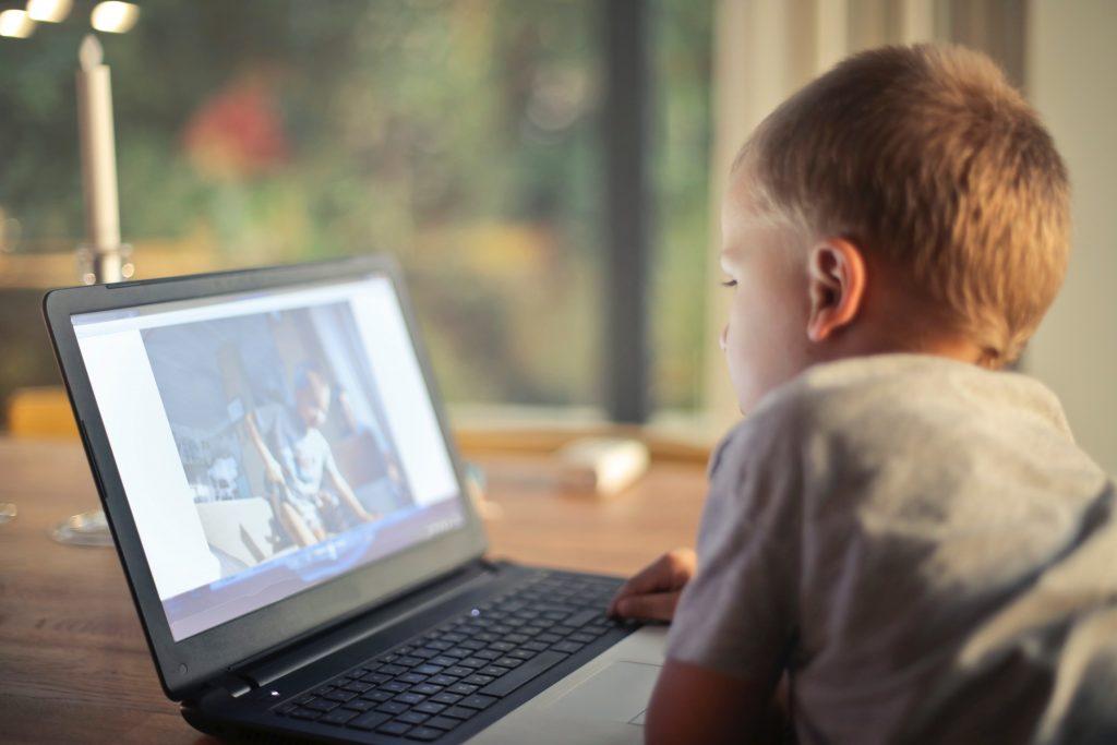 A netbook káros a látásra)