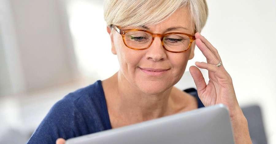 Számítógépes szemüveg - csodaszer vagy reklámozás?